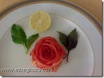 گوجه فرنگی به شکل گل سرخ